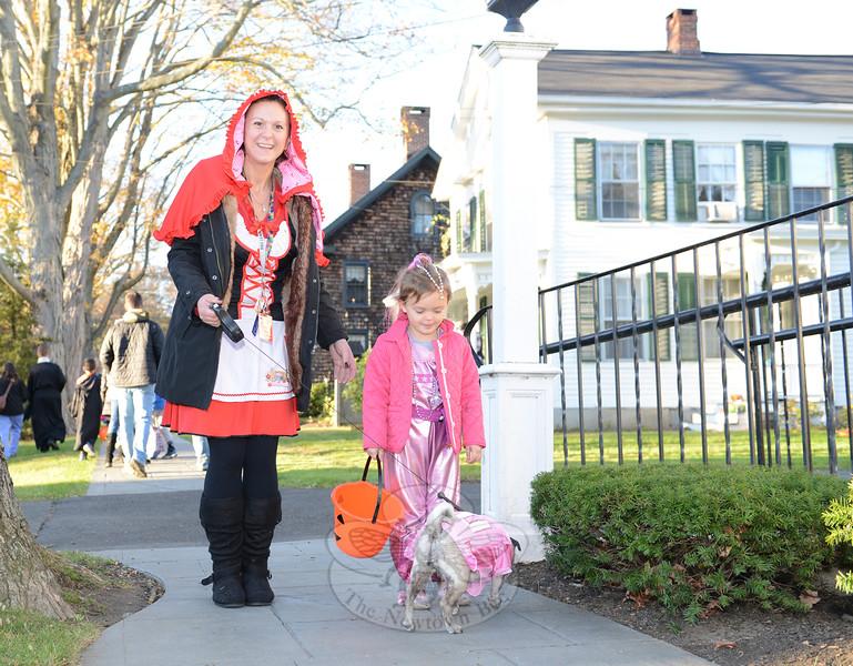 KB_Halloween -- Margaret Lyons, daughter & pug Lily