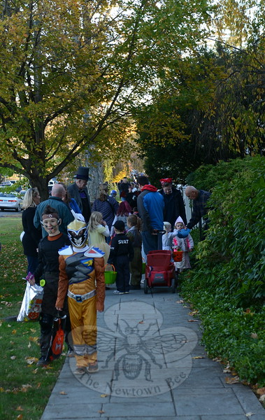 KB_Halloween -- crowded sidewalk