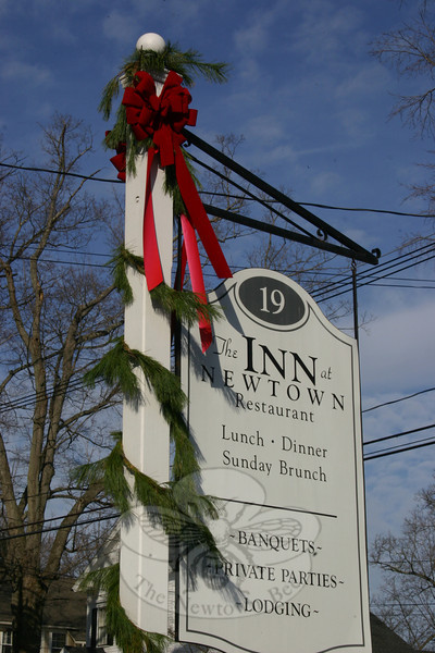 Pine roping and a bow at The Inn at Newtown.  (Hicks photo)