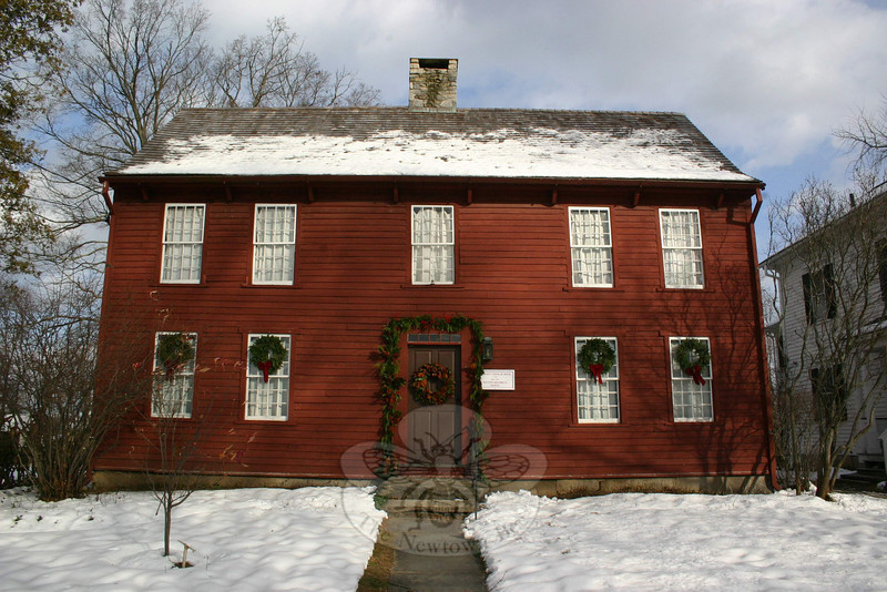 The Matthew Curtiss House, at 44 Main Street, was recently decorated in a historic, natural theme.  (Hicks photo)