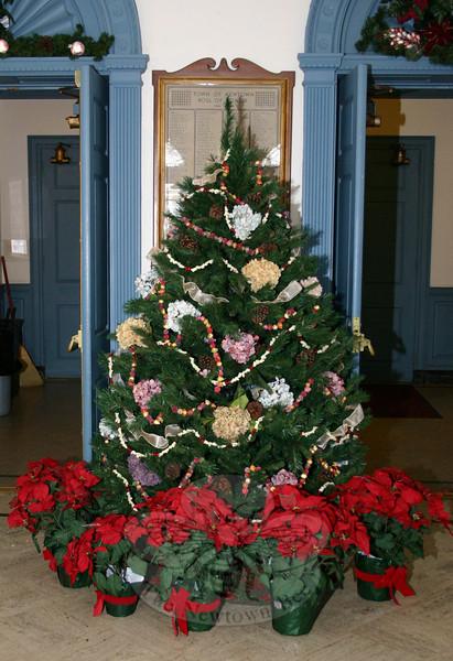The lobby of Edmond Town Hall.  (Hicks photo)