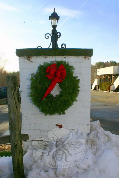 A wreath at The Inn at Newtown.  (Hicks photo)