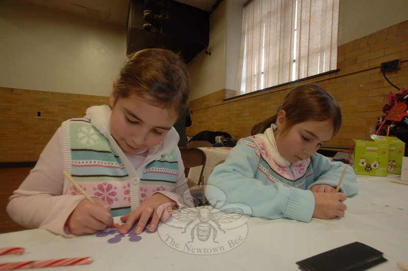 Children's crafts were offered during the 2010 Newtown Holiday Festival.  (Bobowick photo)