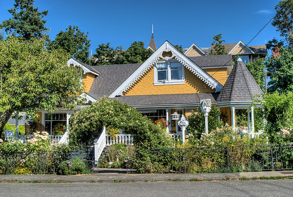 A Cottage And A Castle B&B - Chemainus, BC, Canada