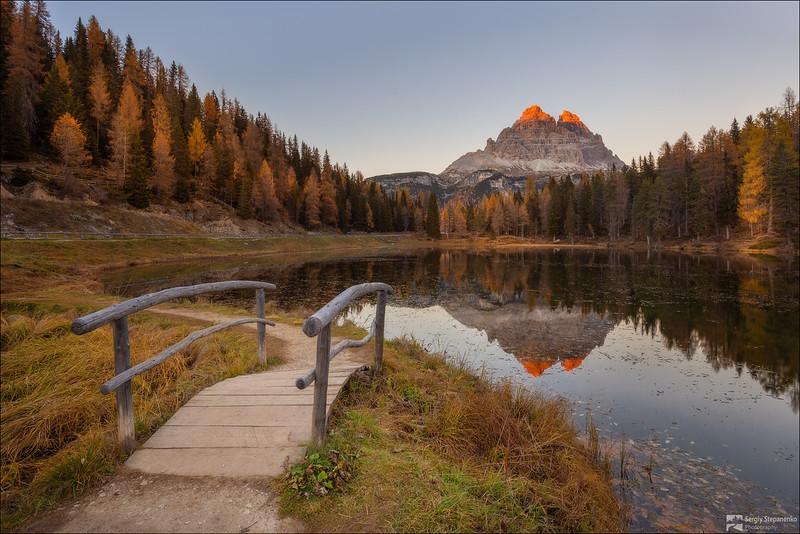 At the mountain lake | У горного озера
