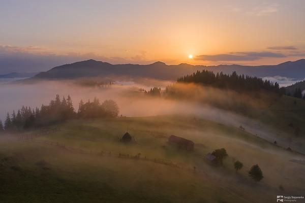 Morning Over the Pass | Утро над перевалом