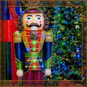 The Nutcracker with Border