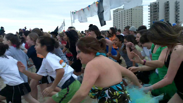 Sounds of the Polar Plunge - Cool School Challenge, The Start !