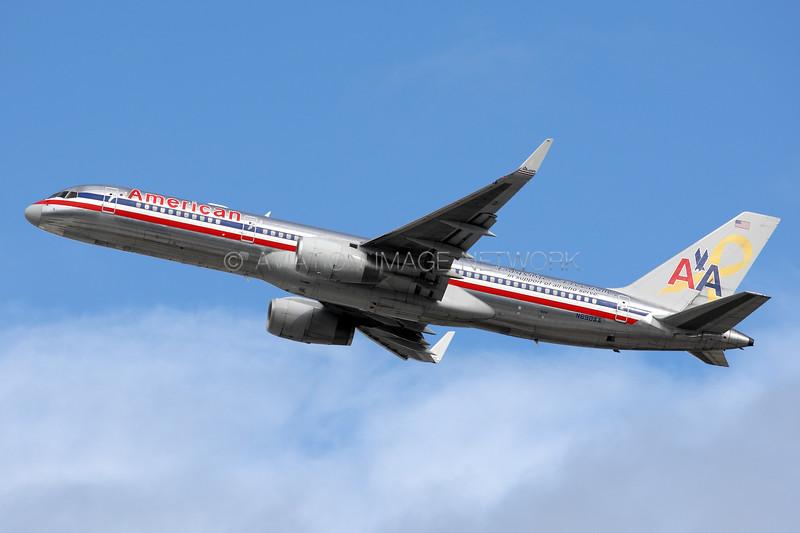 N690AA | Boeing 757-223 | American Airlines
