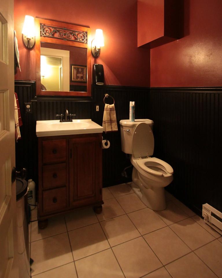 IMG_1927_Bathroom_2_crop_fix