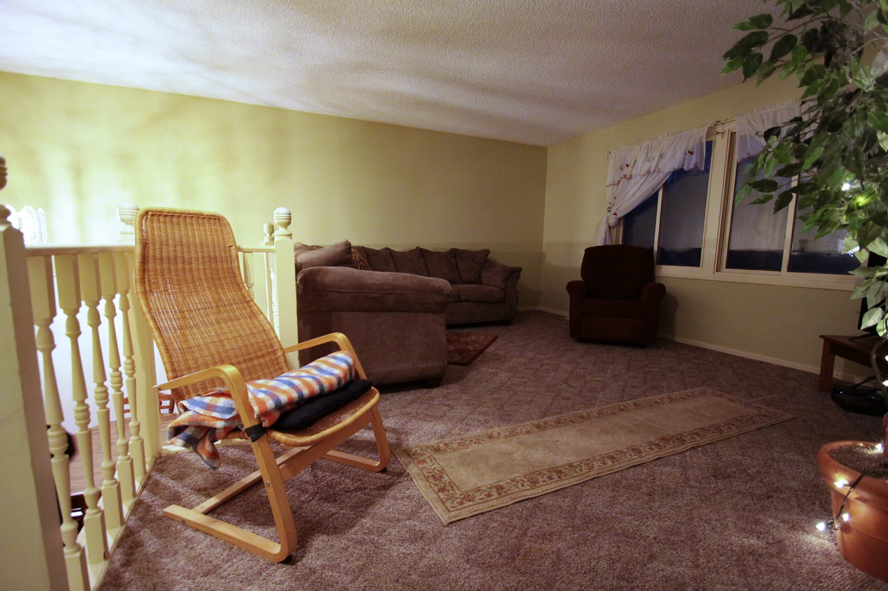 IMG_2026_Couch_Chairs