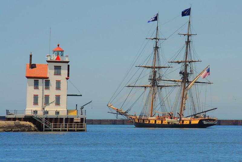 Flagship 'Niagara' - Headed Onto Lake Erie!