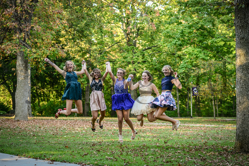 9-23-17 Taylor Schab, Bella Basinger, Brenna Kindle, Julia Smallcombe, Clara Matthews - Freshman Homecoming 02