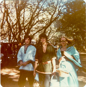 1970s -- hey, I made that shawl and maxi skirt!