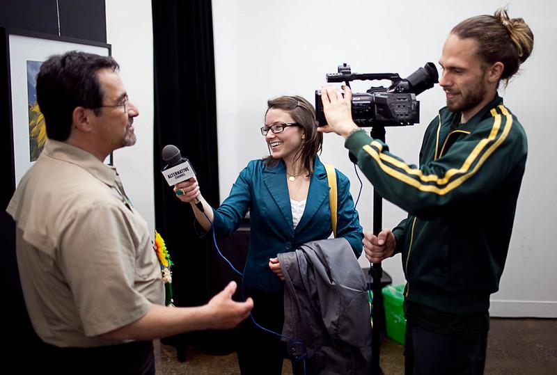 Robert Lapensée sous le feux des journalistes d'Alternative Channel, la chaine internationale du Vert, présents pour la circonstance...