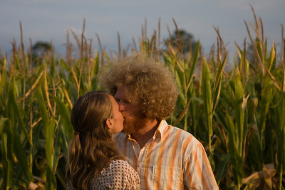 Kissing in the corn field