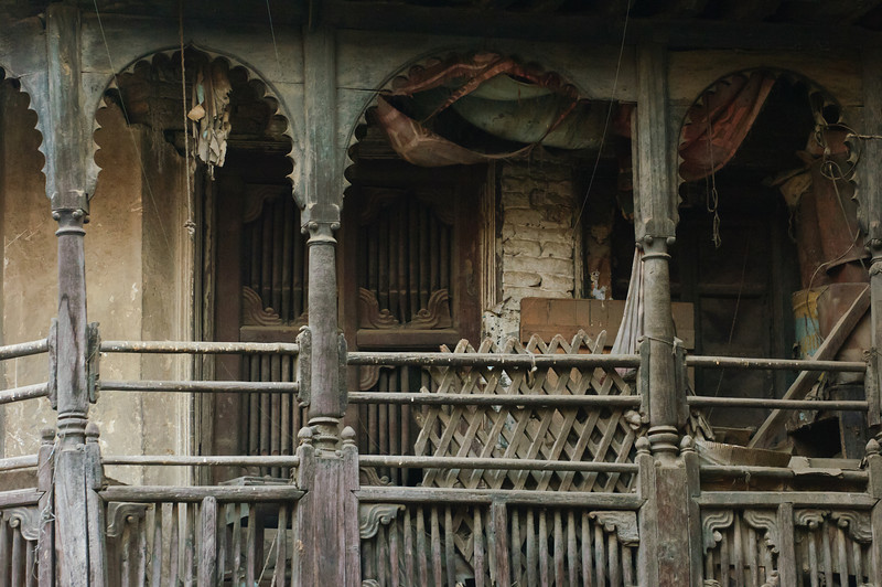 "wooden screen with uncanny resemblance to an organ<br>near the Annapurna Temple, Kathmandu<br><span style=""font-size:75%"">©Yangchen Lin</span>"