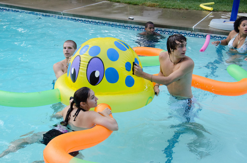 20110817_pres_pool_party_389