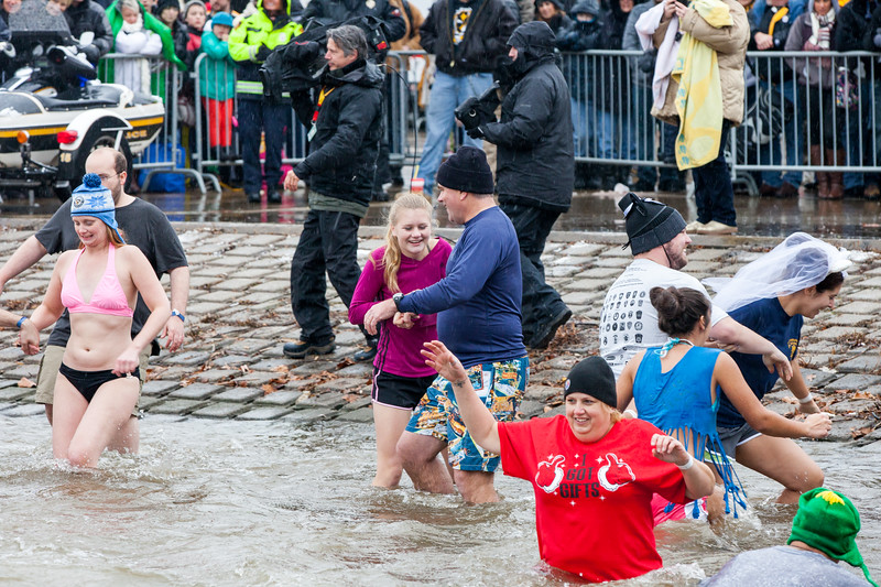 Polar Plunge Wave Set 3