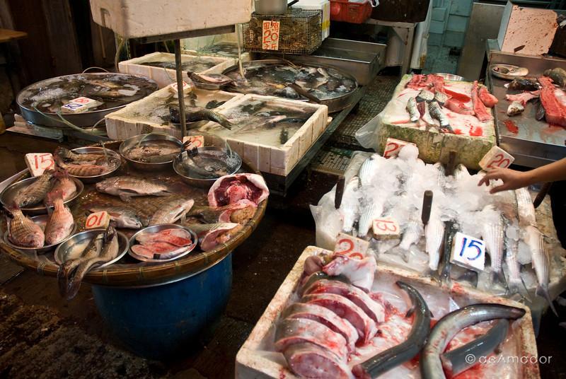 aeamador©-HK08_DSC0001     Saukiwan market. Saukiwan, Hong Kong island.