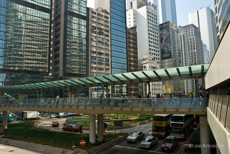 aeamador©-HK08_DSC0033  Hong Kong, downtown area, near ifc tower. I was very impressed by the affluence evidenced in this area. Hong Kong is quite a chic and fine place.