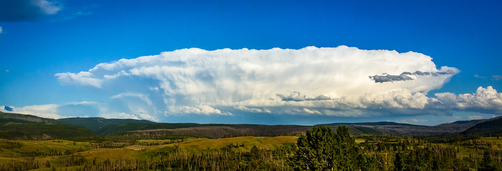 I could tell this huge Shelf Cloud might catch some of the last rays of the setting sun.