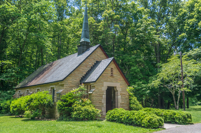 Church at the birthplace of the Cumberland Presbyterian Church in the park