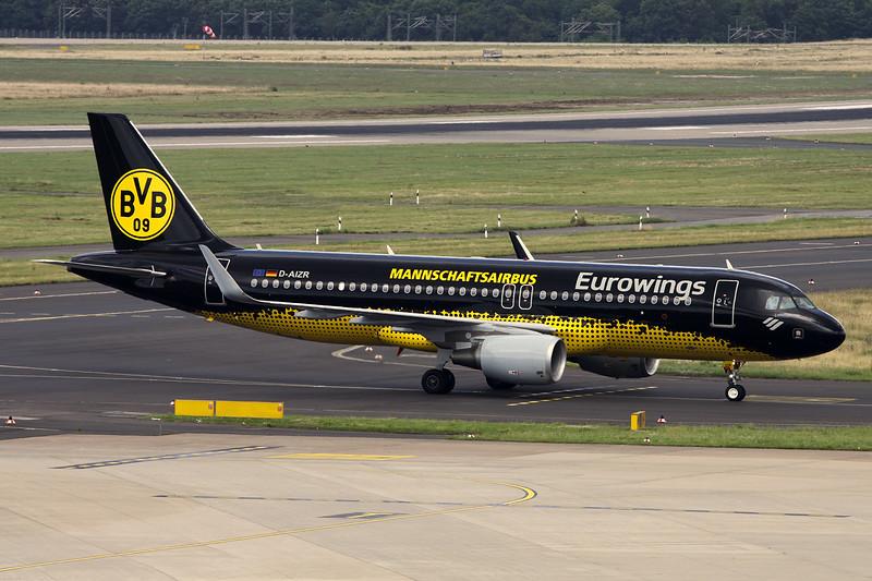 "D-AIZT Airbus A320-214 ""Eurowings"" c/n 5601 Dusseldorf/EDDL/DUS 11-07-16 ""BvB09 Mannschafairbus"""