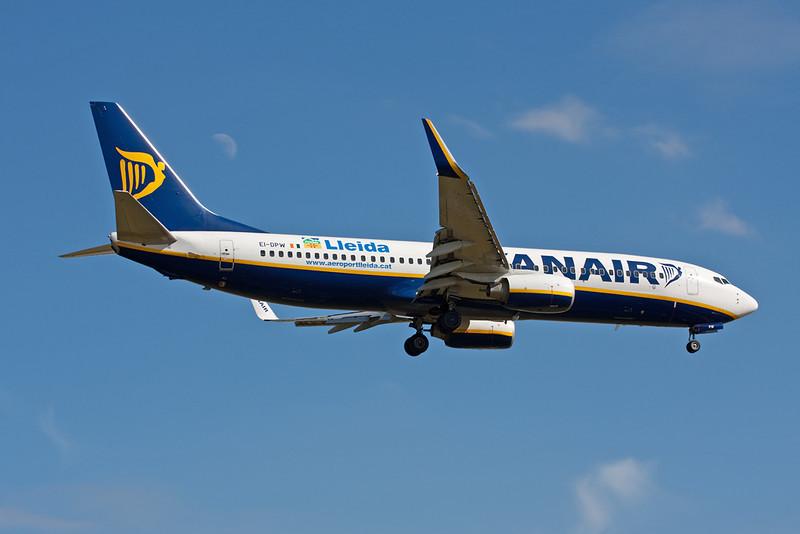 "EI-DPW Boeing 737-8AS c/n 35552 Stansted/EGSS/STN 18-07-10 ""Lleida:"