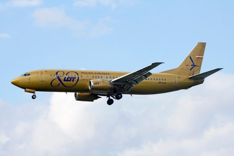 SP-LLC Boeing 737-45D c/n 27157 Heathrow/EGLL/LHR 08-07-12