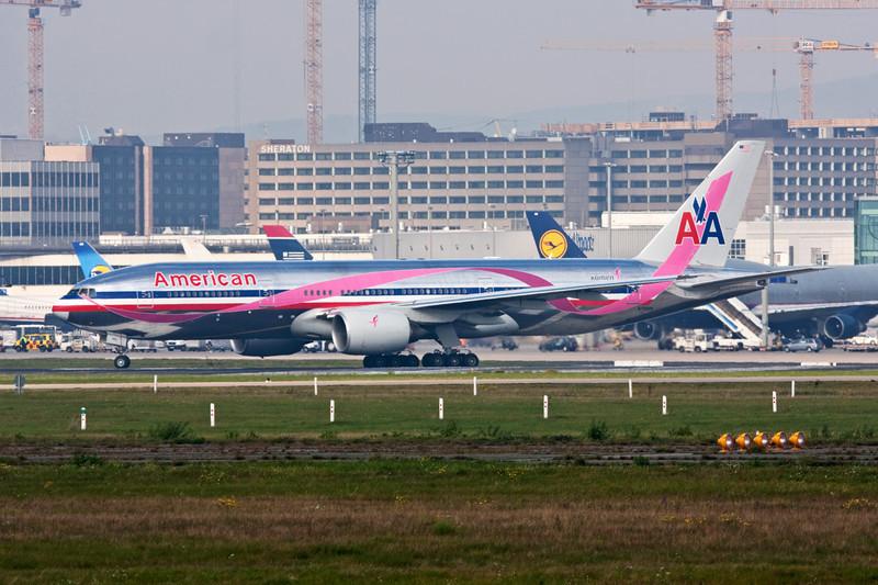 "N759AN Boeing 777-223ER c/n 32638 Frankfurt/EDDF/FRA 14-10-08 ""Race for the Cure"""