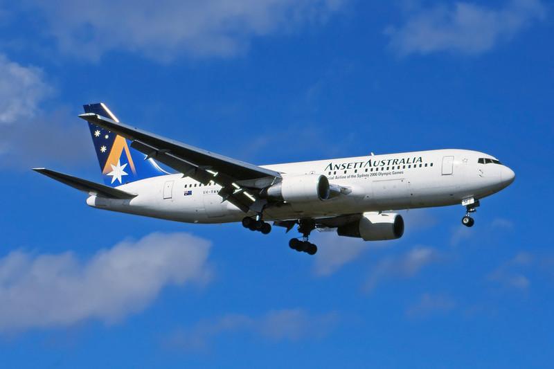 "VH-RMM Boeing 767-216ER c/n 24973 Sydney-Kingsford Smith/YSSY/SYD 02-05-99 ""Official Airline of the Sydney 2000 Olympic Games"" (35mm slide)"
