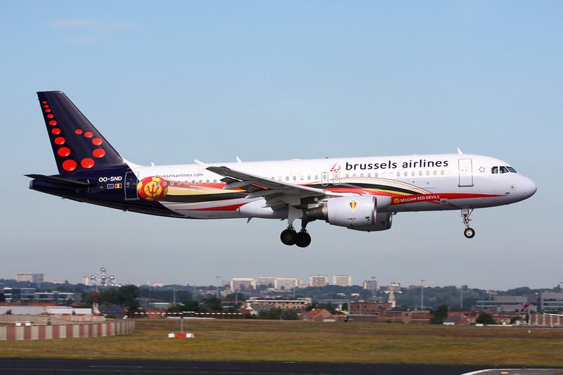 """OO-SND Airbus A320-214 c/n 1838 Brussels/EBBR/BRU 23-06-14 """"Red Devils"""""""
