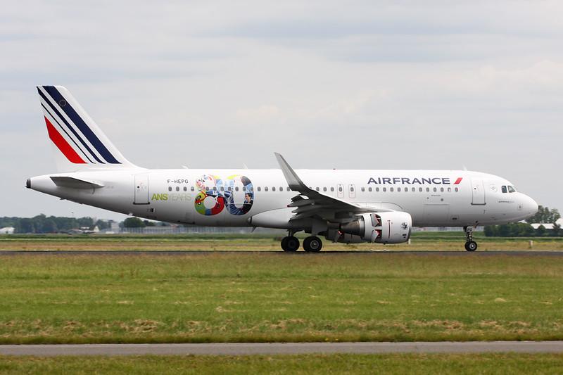 "F-HEPG Airbus A320-214 c/n 5802 Amsterdam/EHAM/AMS 21-06-14 ""80 Ans"""