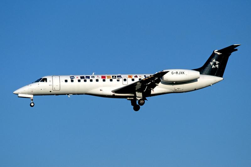 """G-RJXK Embraer ERJ-135ER c/n 145494 Brussels/EBBR/BRU 23-04-04 """"Star Alliance"""" (35mm slide)"""