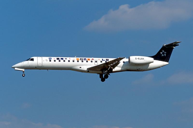 """G-RJXH Embraer Emb-145EP c/n 145442 Brussels/EBBR/BRU 23-04-04 """"Star Alliance"""" (35mm slide)"""