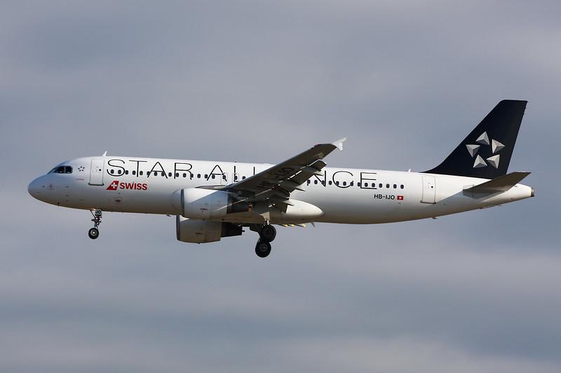 "HB-IJO Airbus A320-214 c/n 0673 Frankfurt/EDDF/FRA 03-06-15 ""Star Alliance"""