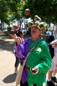 Juggling Jesters!
