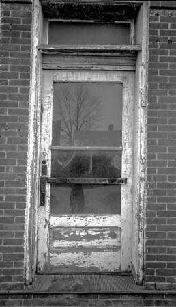 grocers-door