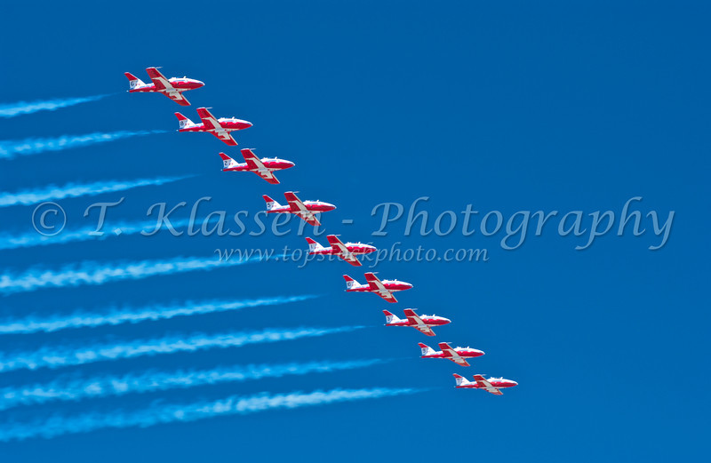 The Canadian Forces Snowbirds, air acrobatic team perfoming at an airshow over Fargo, North Dakota, USA.