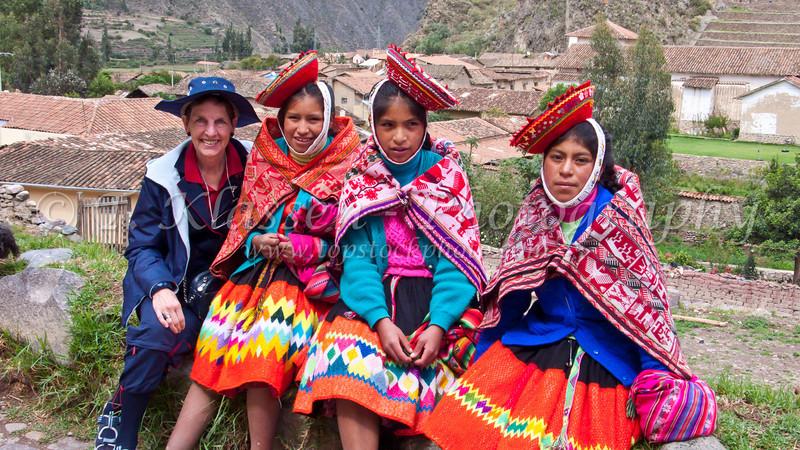 Peruvian girls in ethnic dress in Olantaytambo.