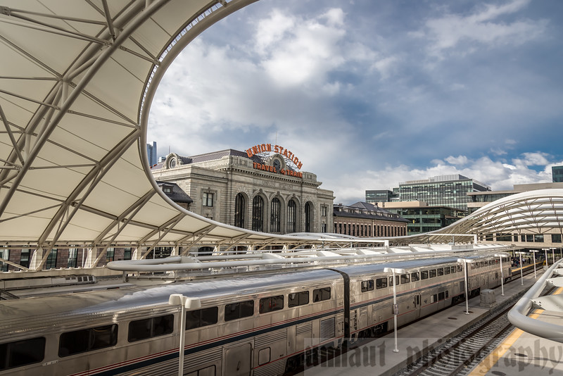 And in to Union Station, Denver.  This is a scheduled service stop.  Engines are fueled, trash removed, and other service is performed.  We had about 30 minutes to wander, with the usual warning of don't wander too far.