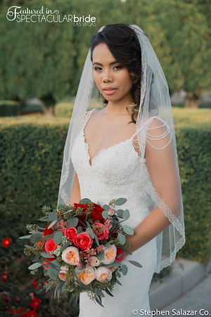 Bride with flowers 01