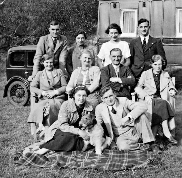 Spencer Family on holiday around 1937.