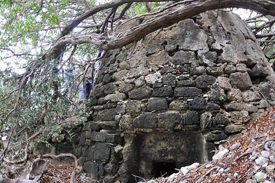 Abri's van Seru Popchi (Hermanus) & Kalkoven (Lime kiln)