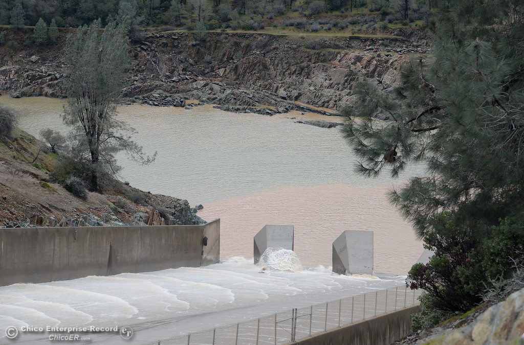 . The Lake Oroville Dam controlled spillway has sustained erosion damage, the lower section below the erosion is seen here Tues. Feb. 7, 2017. (Bill Husa -- Enterprise-Record)