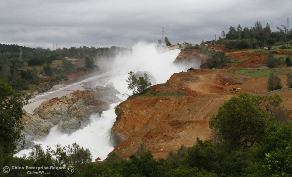. Construction continues as Department of Water Resources works to fix the spillway and emergency spillway Monday April 24, 2017 in Oroville, California. (Emily Bertolino -- Mercury Register)