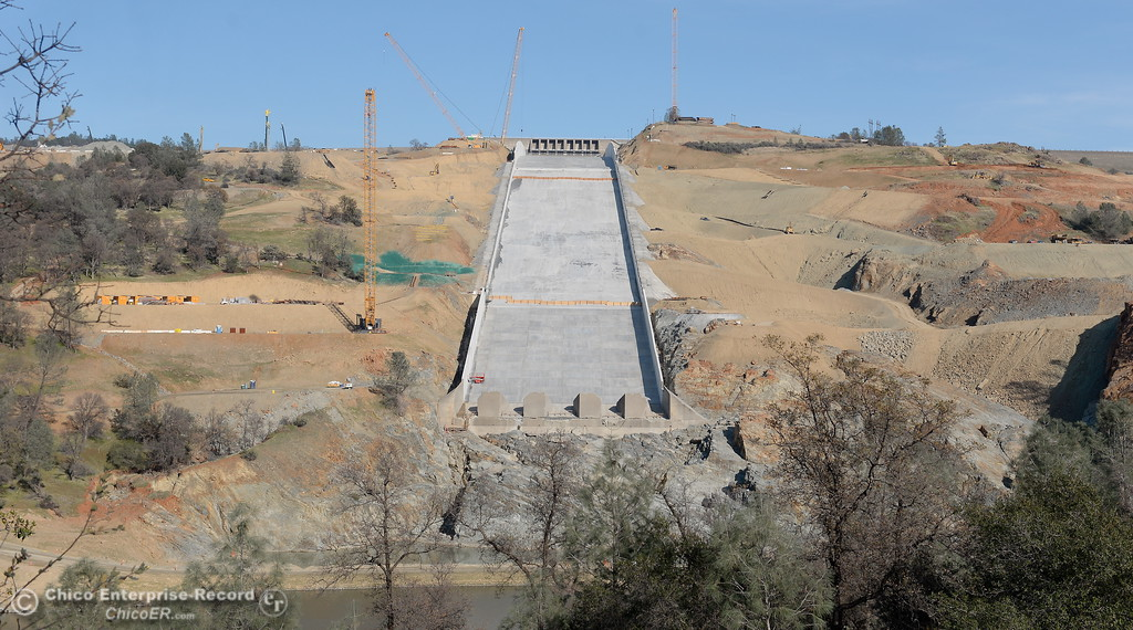 . Construction continues at the Lake Oroville Dam Spillway Monday Dec. 11, 2017.  (Bill Husa -- Enterprise-Record)