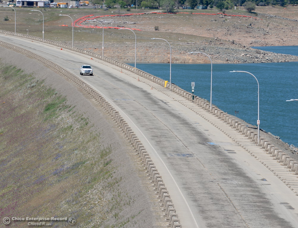 . The road on top of the Lake Oroville Dam shows signs of wear from heavy truck traffic during the spillway incident in Oroville, Calif. Tuesday May 2, 2017.  (Bill Husa -- Enterprise-Record)