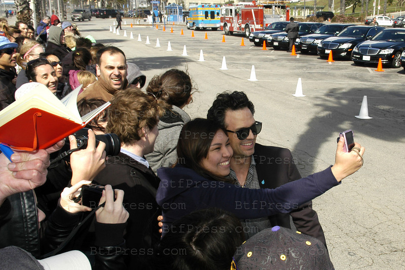 Actor Mark Ruffalo arrives at the 2011 Film Independent Spirit Awards in Santa Monica,California on February 26,2011